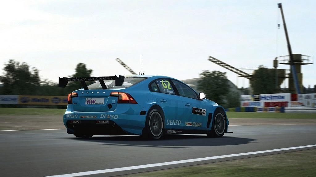 RaceRoom Volvo WTCC 2016 4.jpg