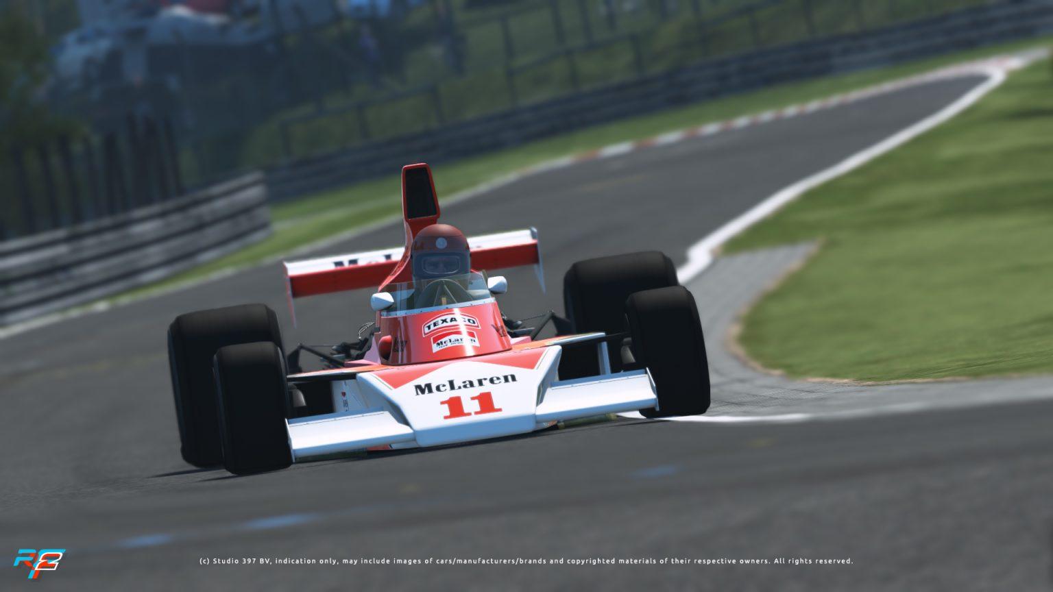 rF2 McLaren M23.jpg