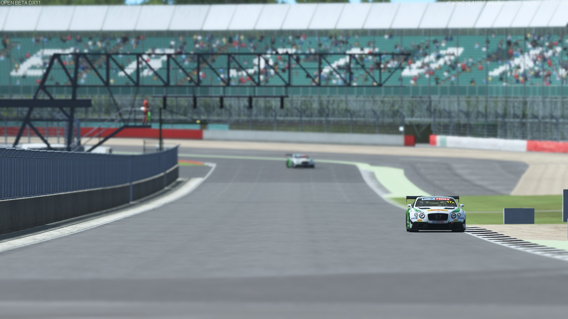rFactor 2 Rain and Bentley 4.jpg
