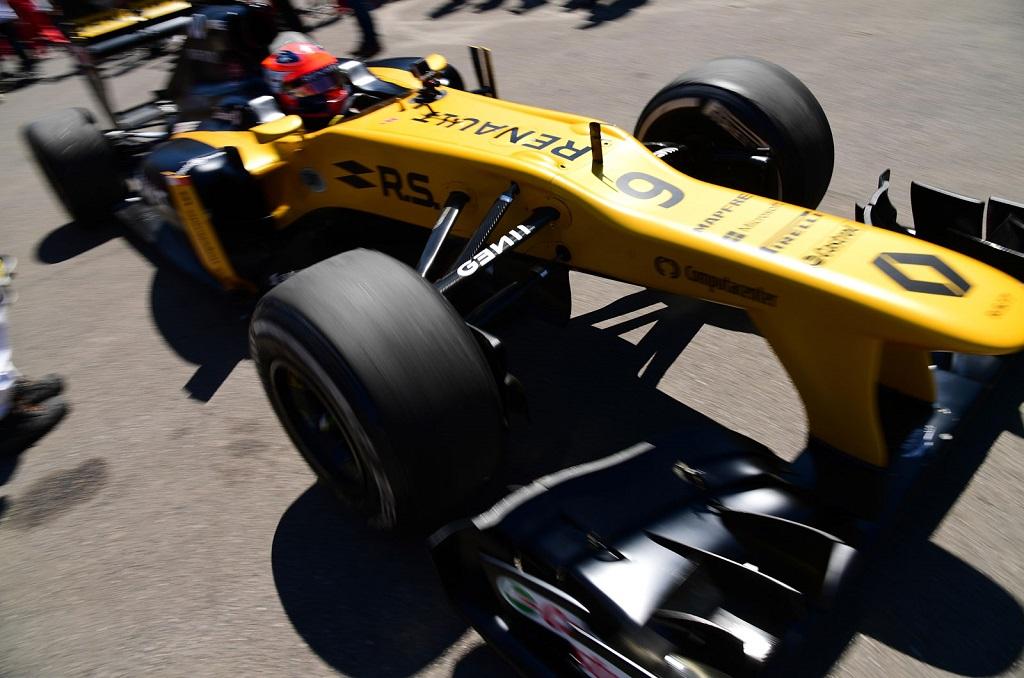 Robert Kubica Renault Test 5.jpg