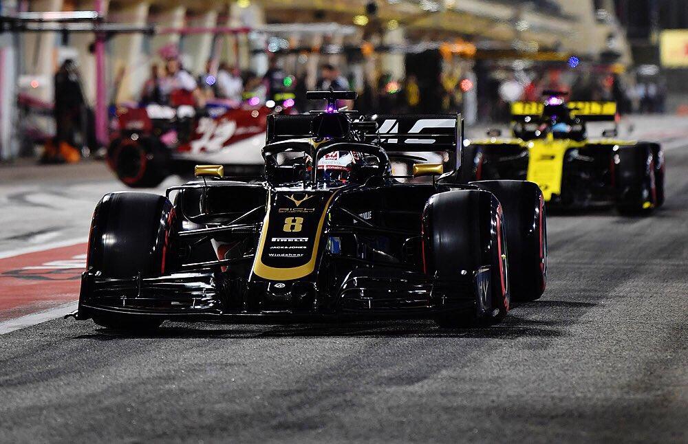 Romain Grosjean 3 place Penalty.jpg