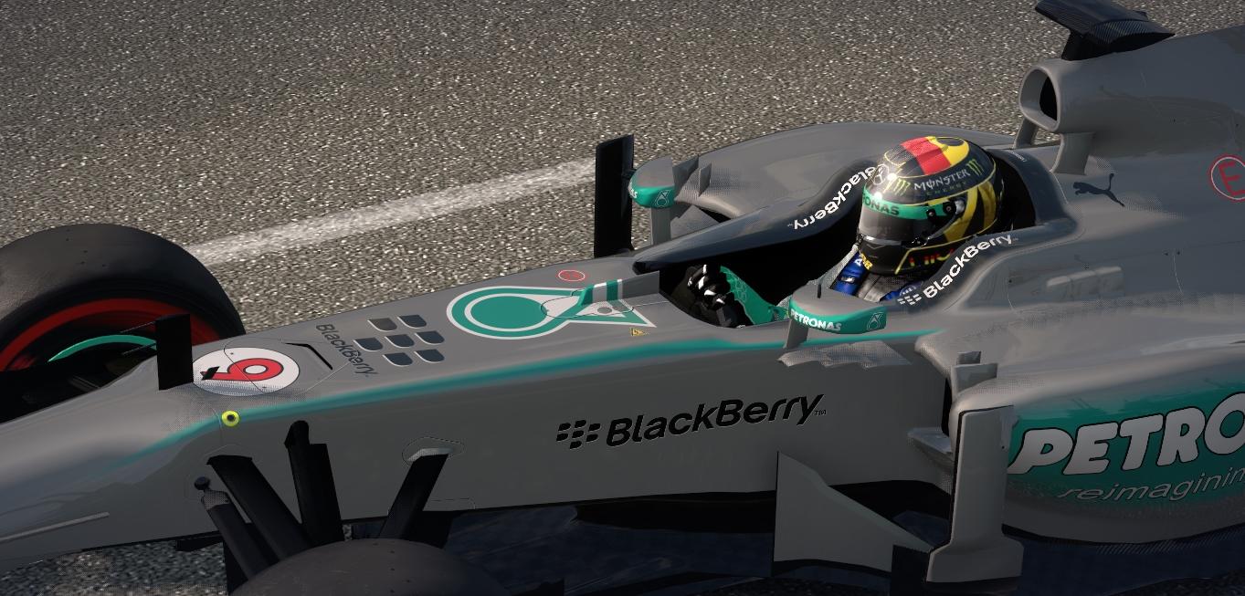 Rosberg Helm.jpg 2.jpg