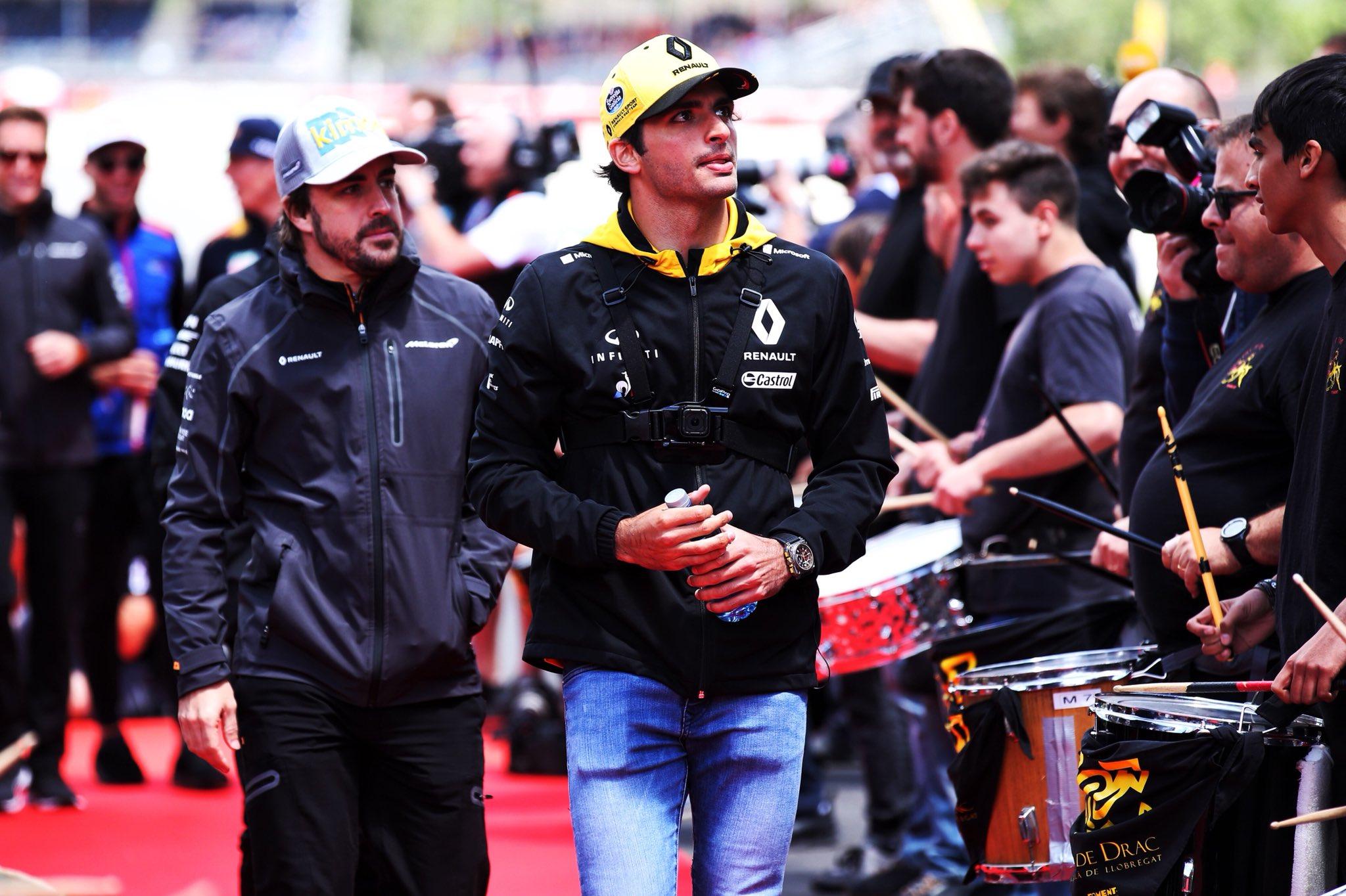 Sainz to McLaren 2019.jpg