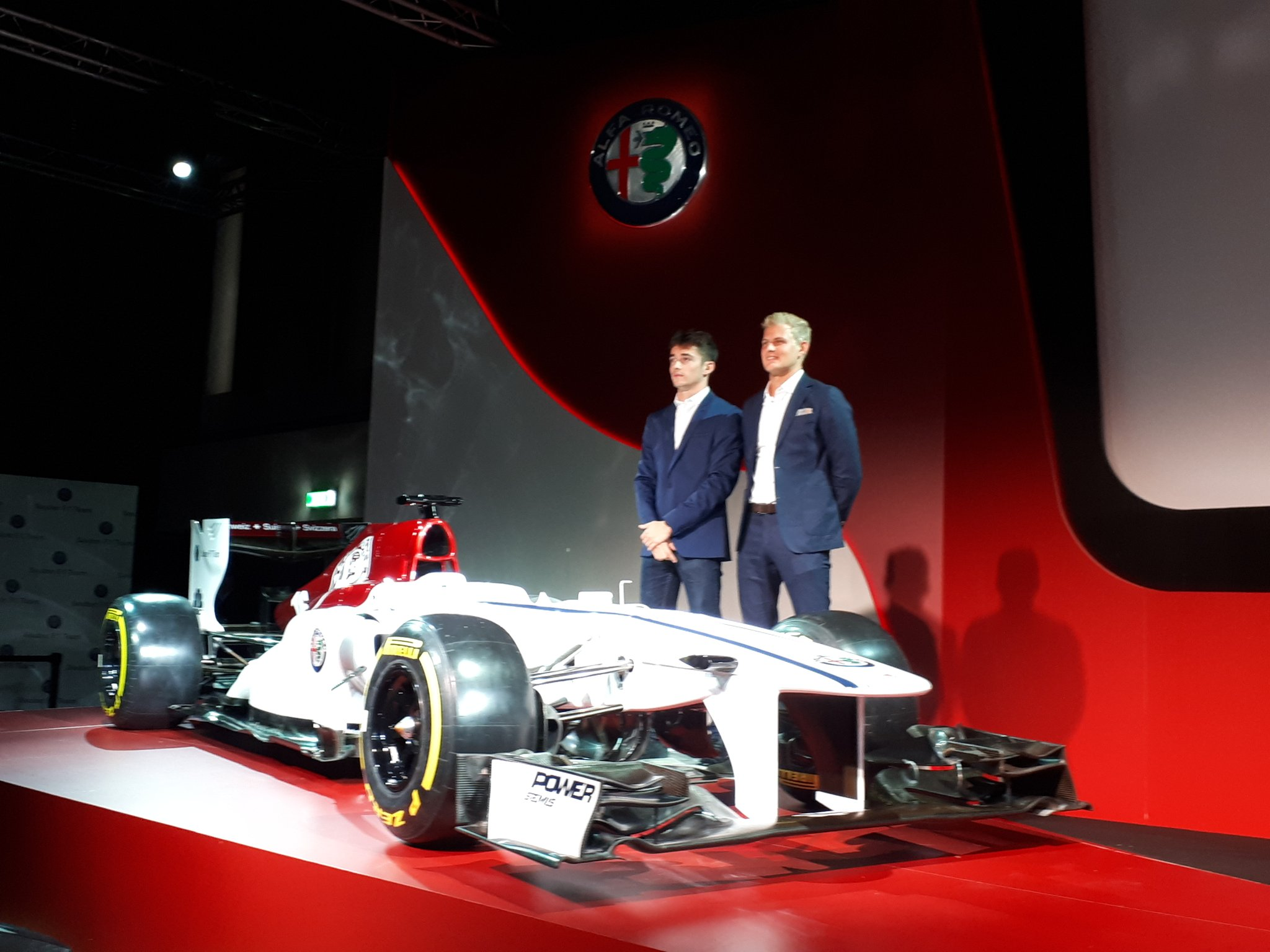 Sauber Alfa Romeo 2.jpg