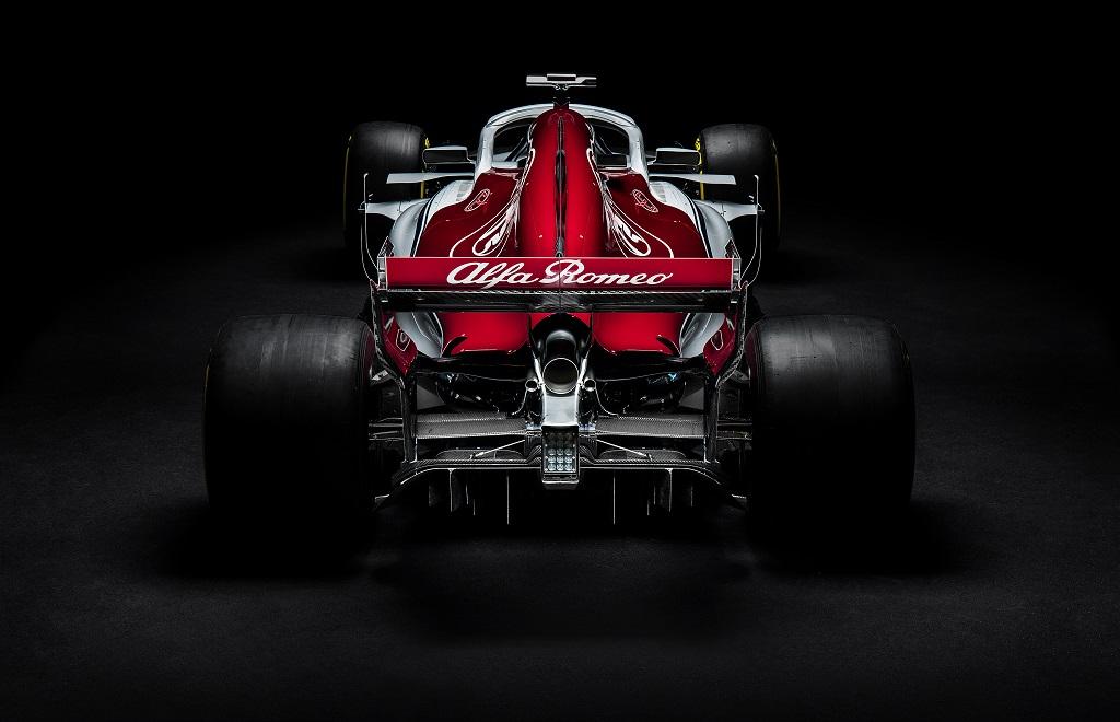 Sauber C37 F1 2018 Launch 2.jpg