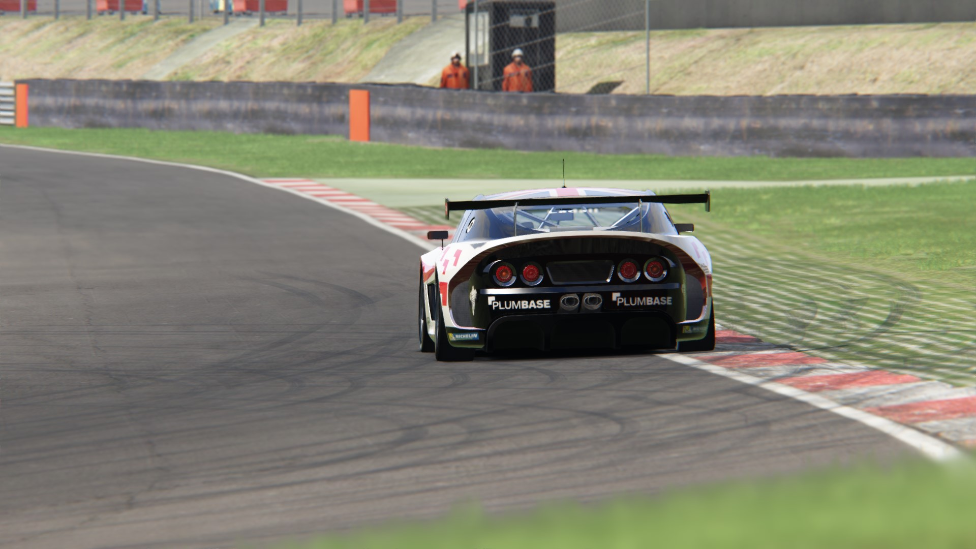 Screenshot_ginetta_gt4_supercup_ks_brands_hatch_5-8-117-22-24-25.jpg
