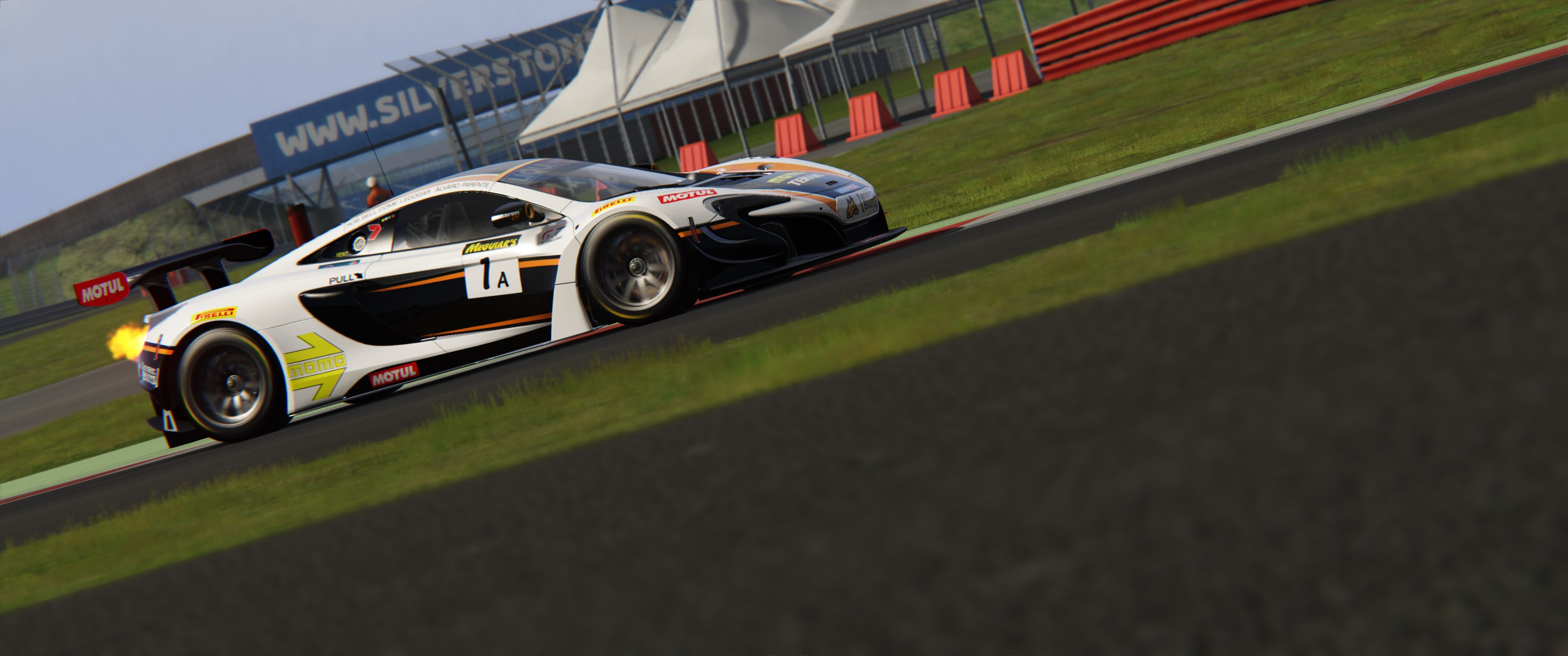 Screenshot_ks_mercedes_amg_gt3_ks_silverstone_14-4-117-21-31-4.jpg