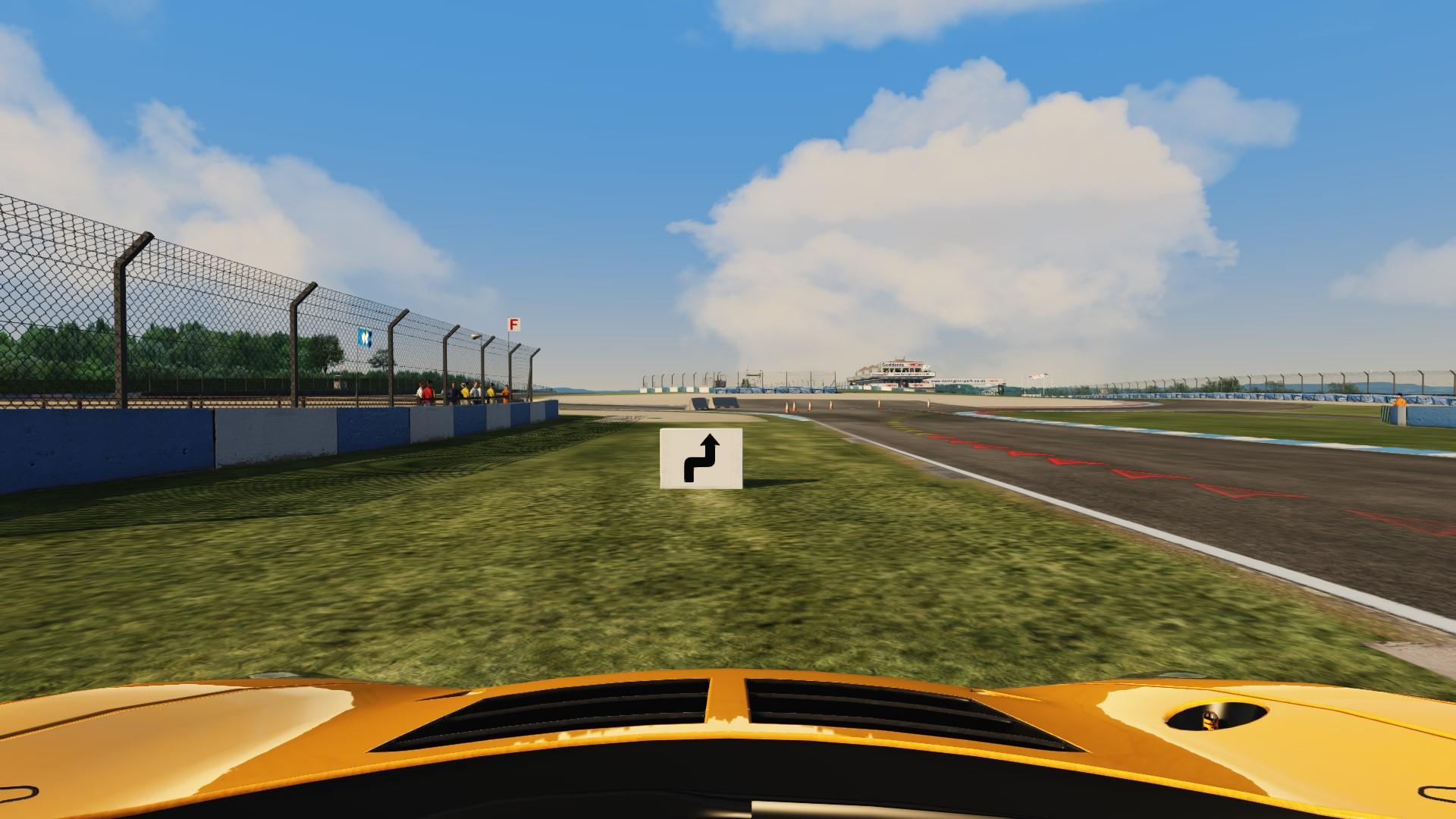 Screenshot_mclaren_mp412c_gt3_doningtonpark-national_before.jpg