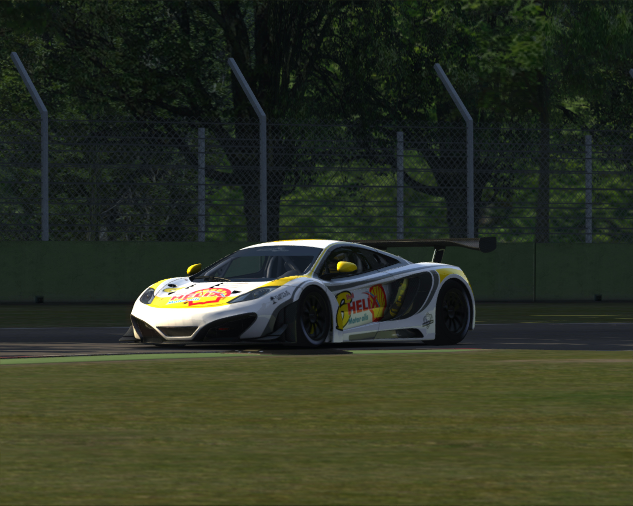 Screenshot_mclaren_mp412c_gt3_imola_5-7-2014-10-27-49.jpg