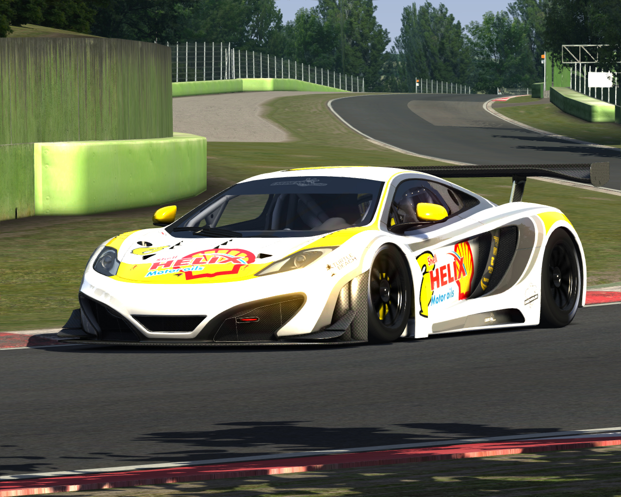 Screenshot_mclaren_mp412c_gt3_imola_5-7-2014-10-35-22.jpg