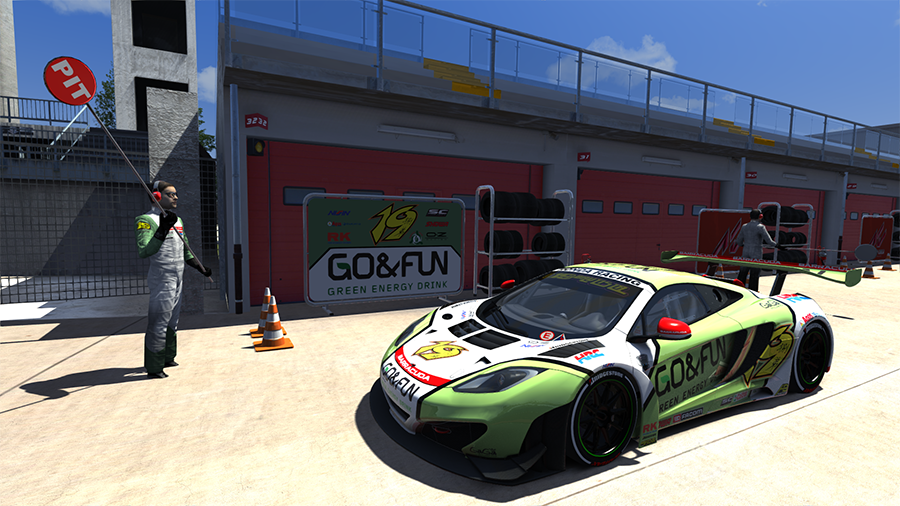 Screenshot_mclaren_mp412c_gt3_imola_6-7-2014-12-54-31.png