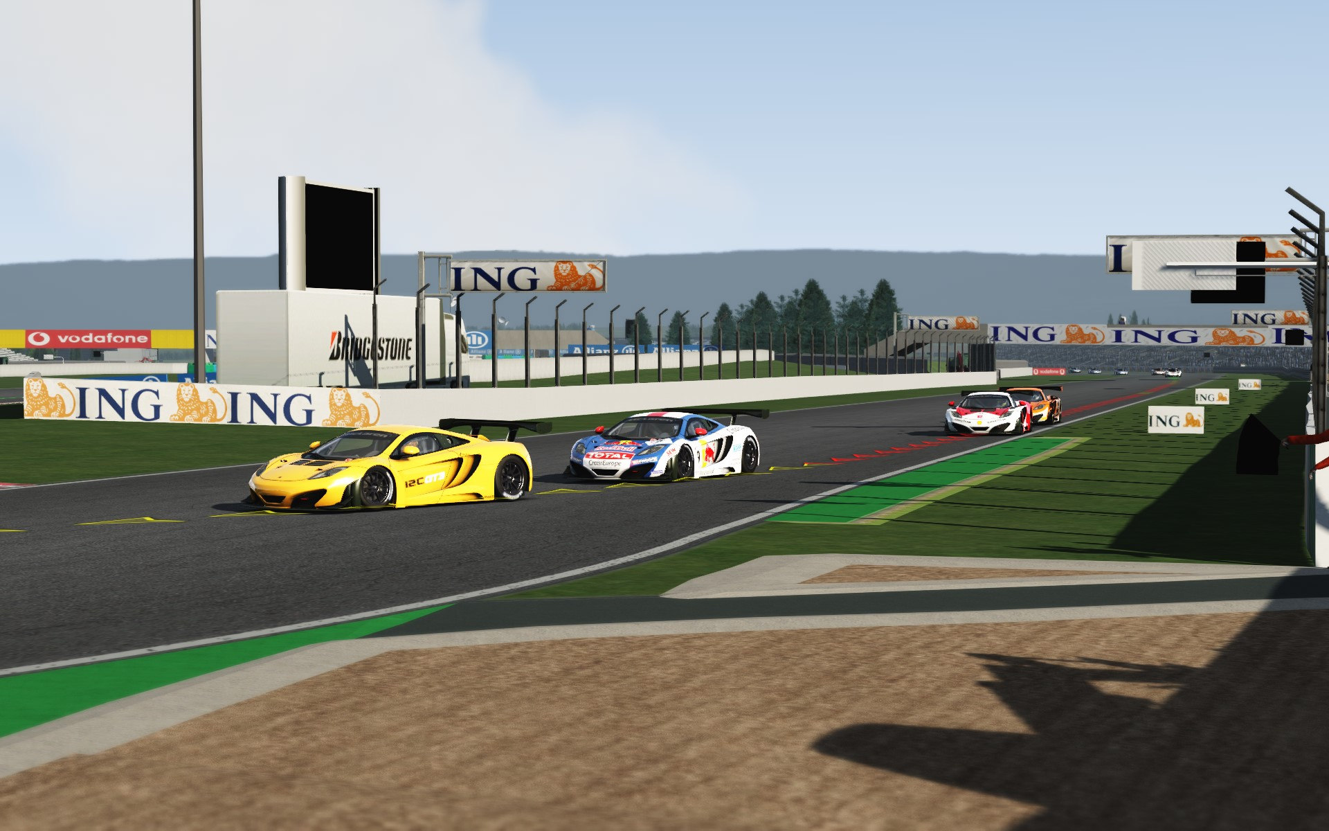 Screenshot_mclaren_mp412c_gt3_magny_cours_0_1_26-7-115-15-25-4.jpg
