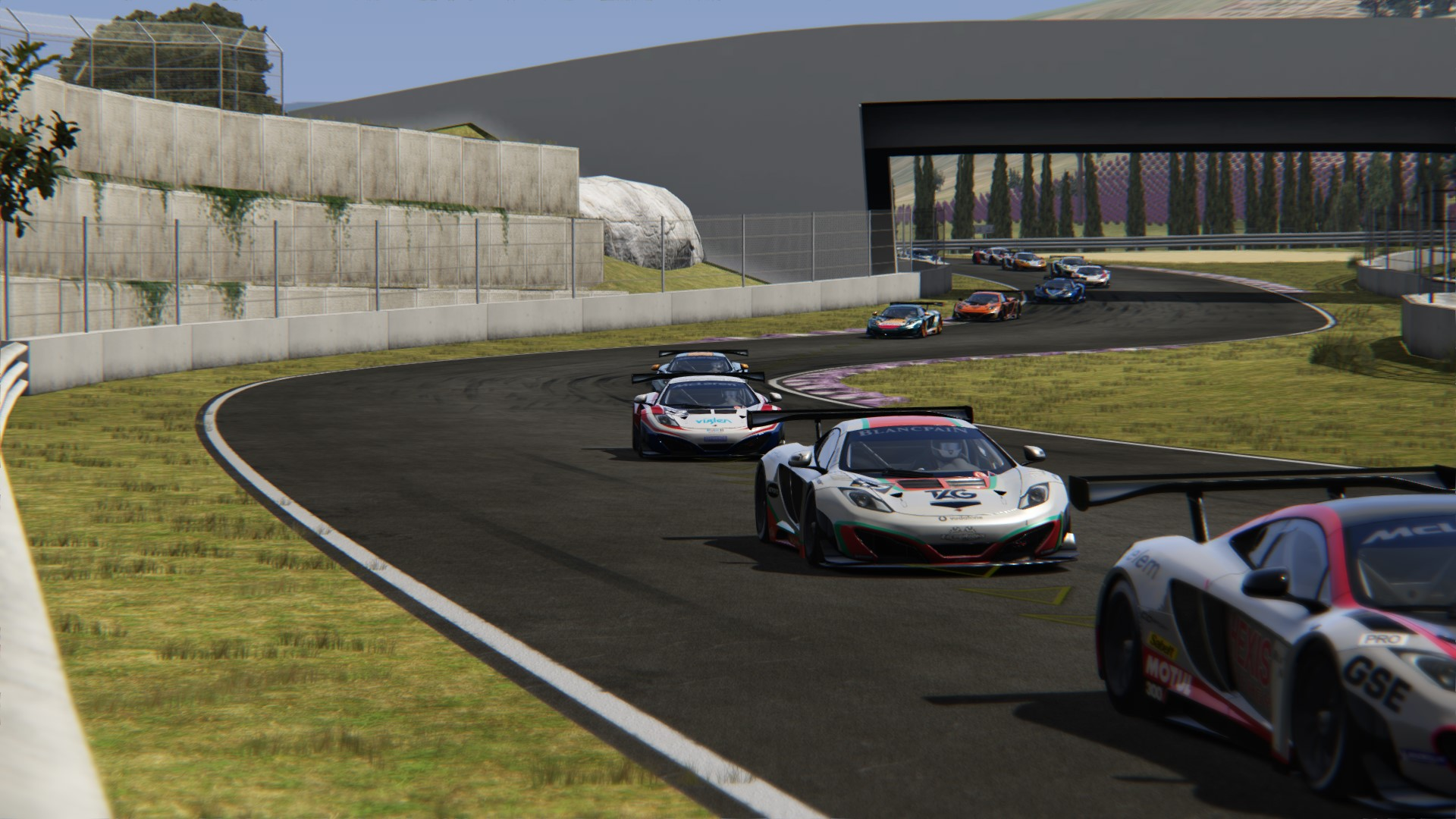 Screenshot_mclaren_mp412c_gt3_toscana_22-5-117-15-23-24.jpg