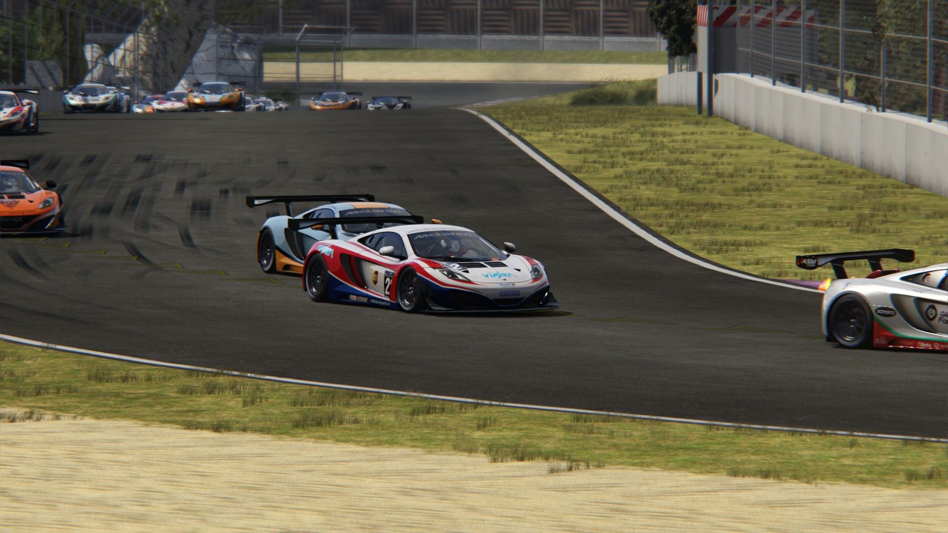 Screenshot_mclaren_mp412c_gt3_toscana_22-5-117-15-26-4.jpg