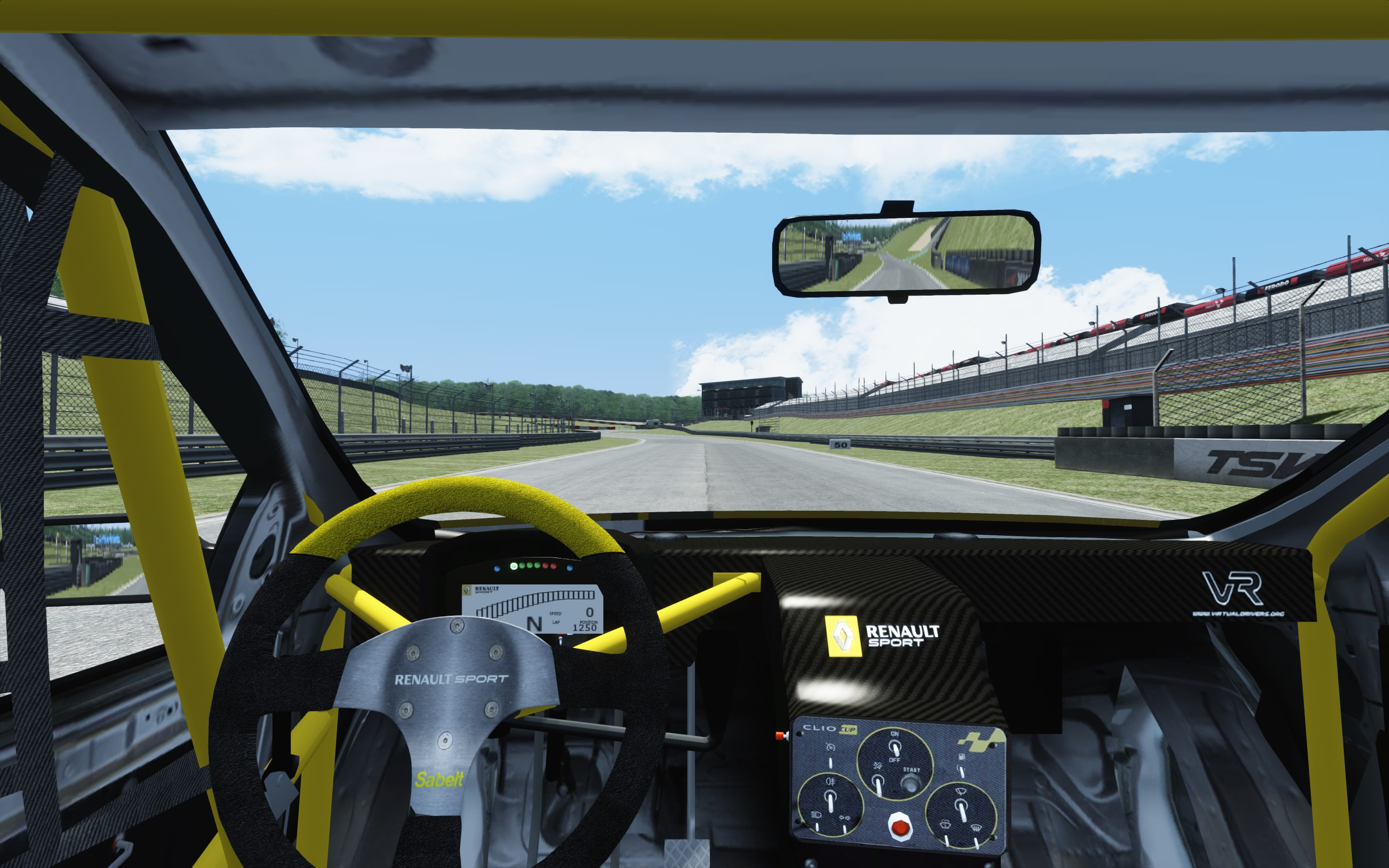 Screenshot_renault_clio_cup_197_brands-hatch-indy_1-3-2015-12-12-37.jpg