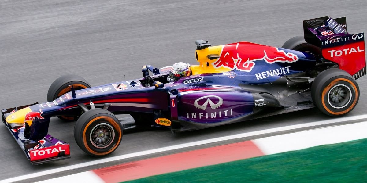 Sebastian_Vettel_2013_Malaysia_FP1.jpg