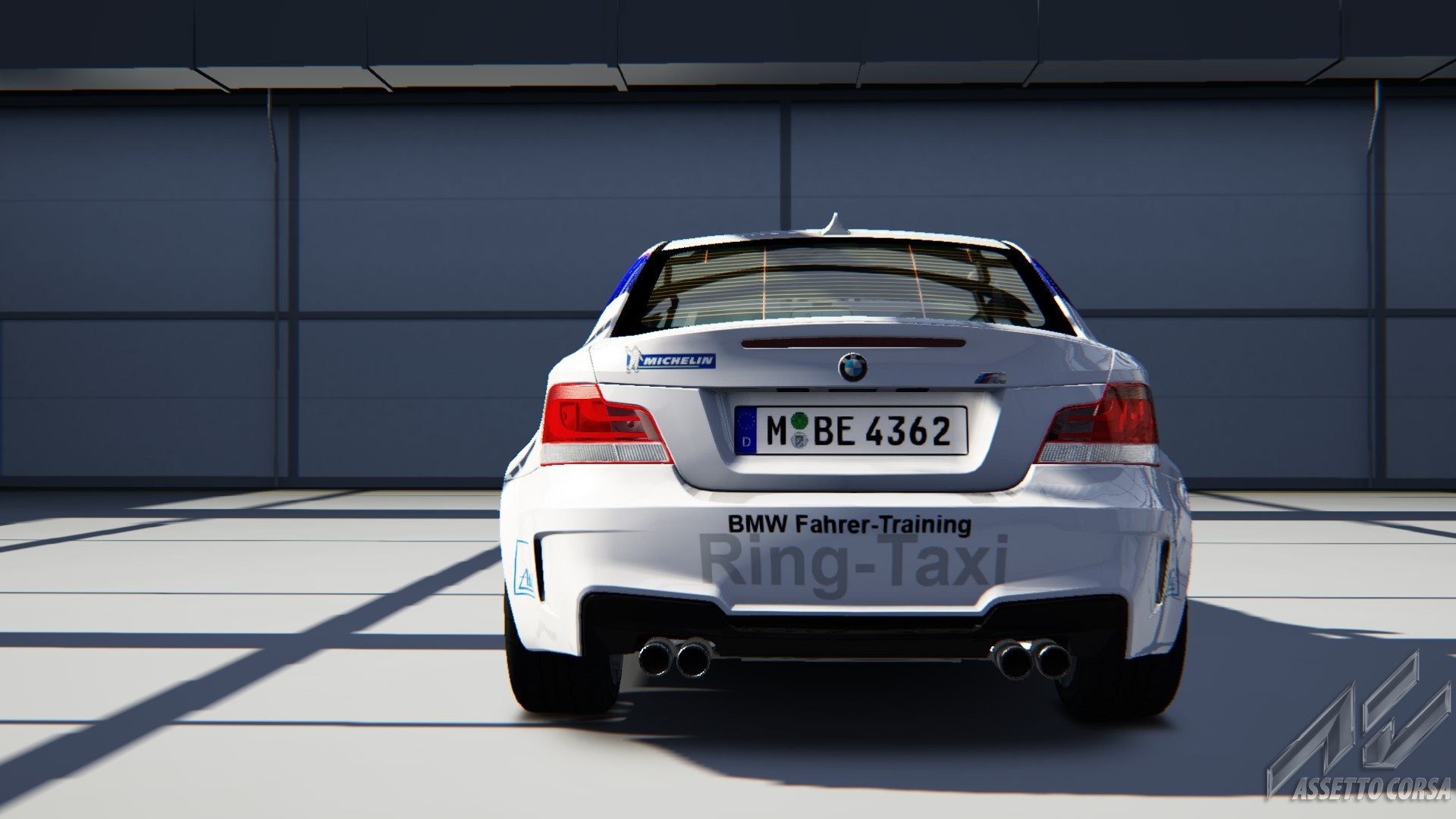 Showroom_bmw_1m_18-8-2014-13-55-5.jpg