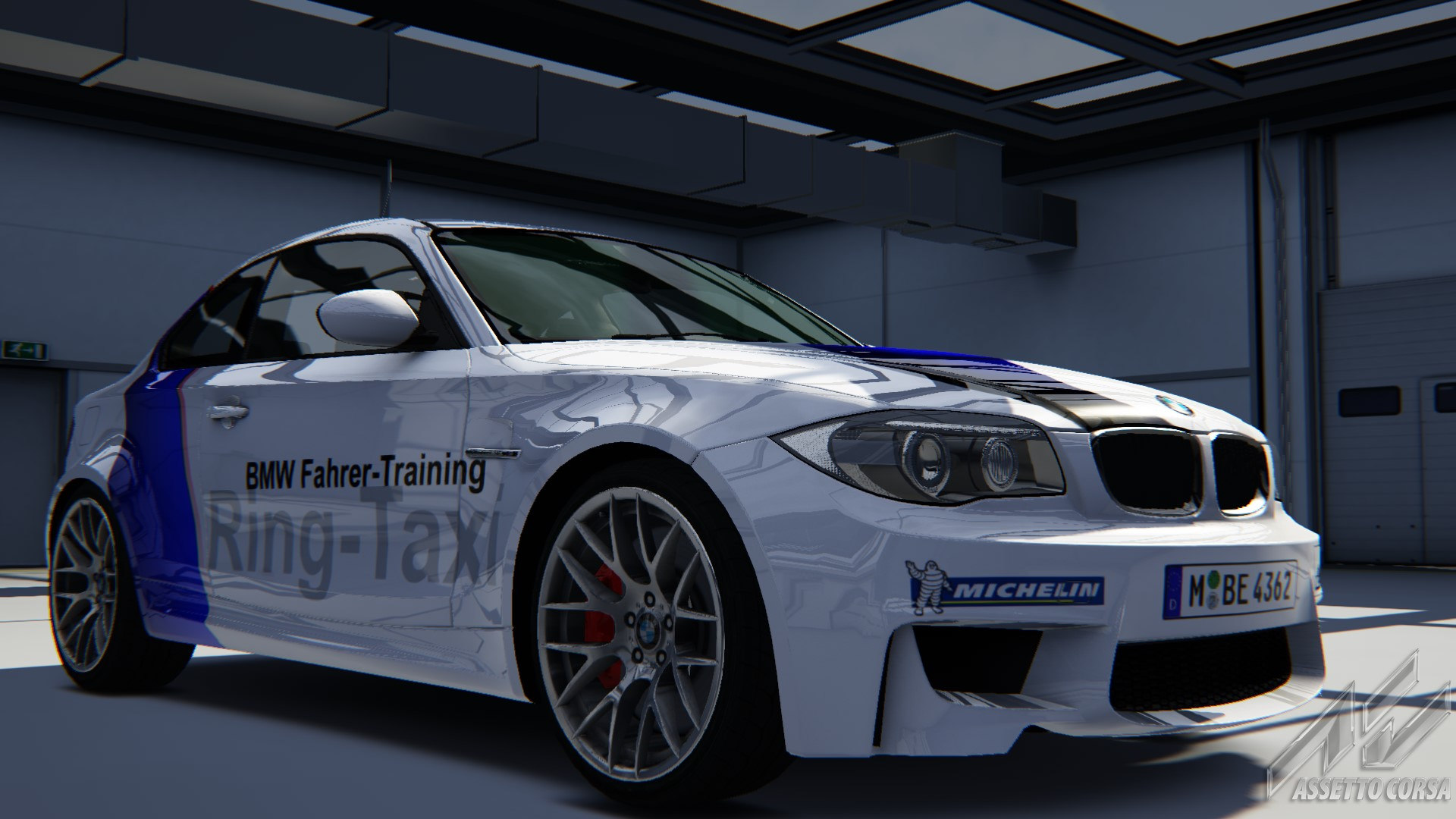 Showroom_bmw_1m_18-8-2014-14-2-32.jpg
