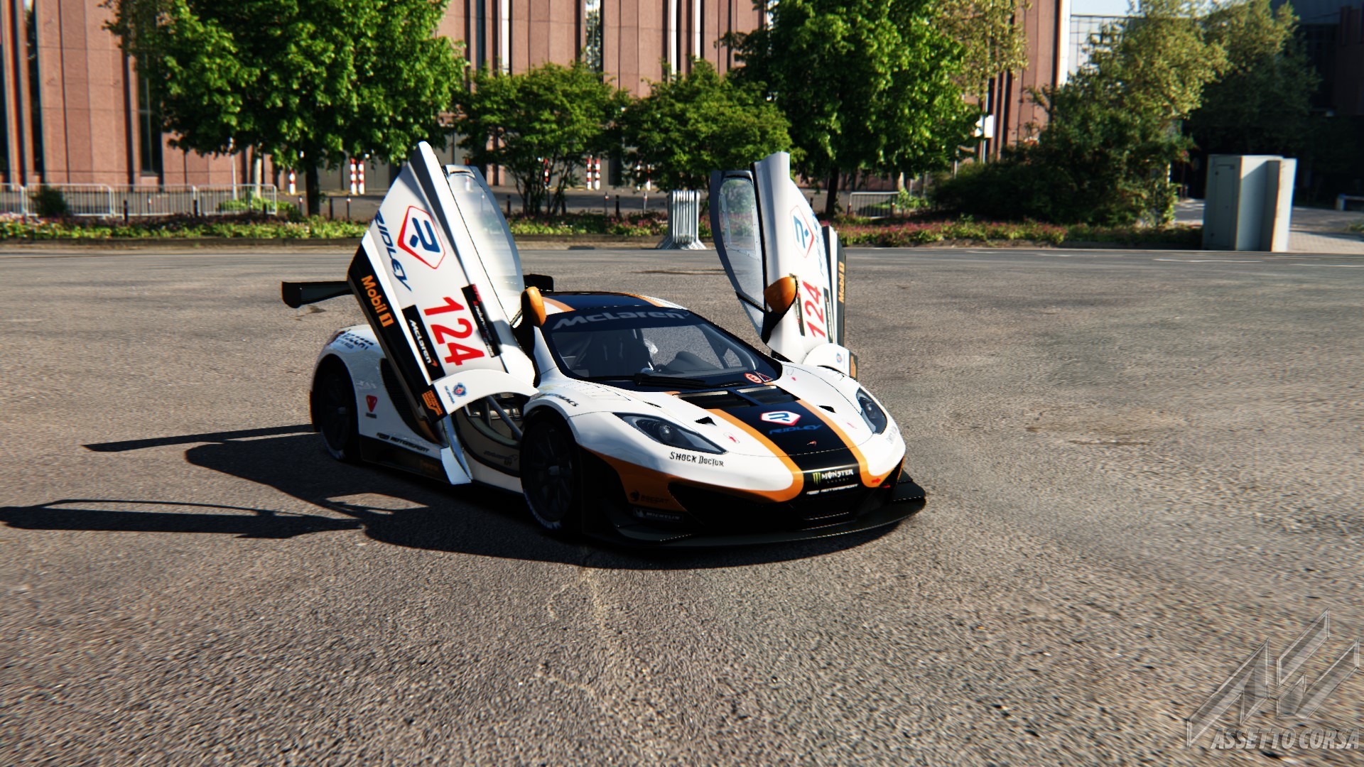 Showroom_mclaren_mp412c_gt3_8-1-2015-12-8-46.jpg