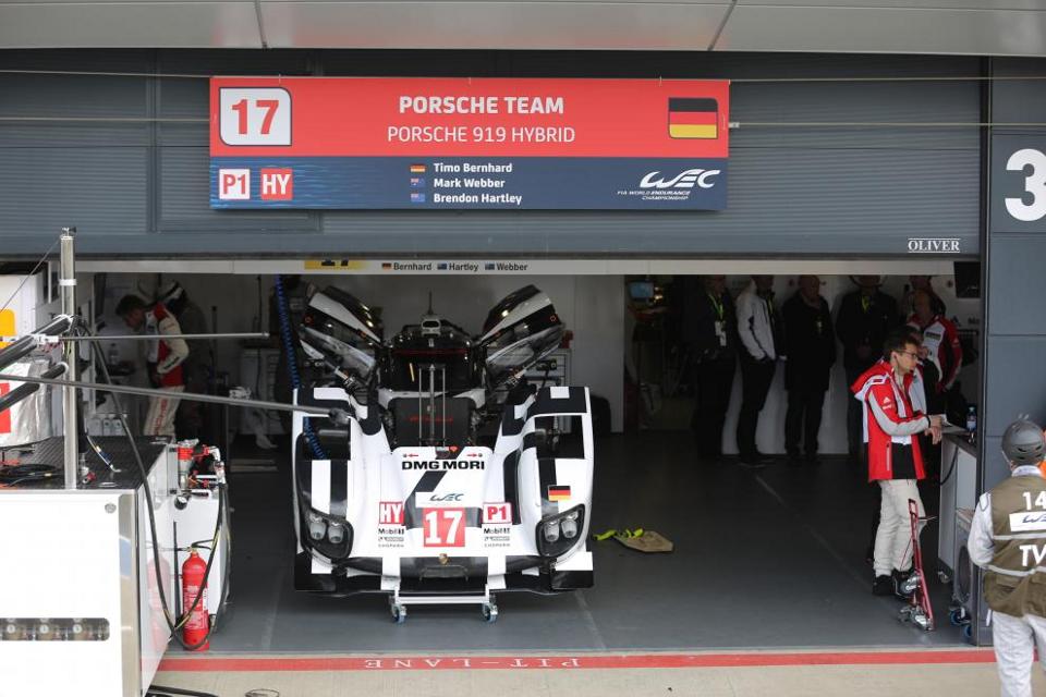 Silverstone Garage.png
