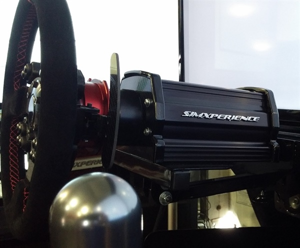 SimXperience AccuForce Pro sim racing steering wheel servo.jpg