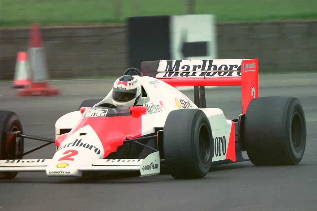 Stefan Johansson 1987 McLaren.jpg