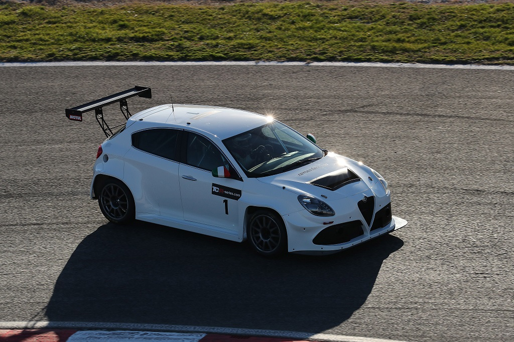 TCR International Series 2017 Live Stream - Alfa.jpg