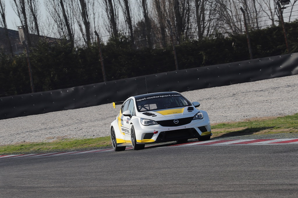TCR International Series 2017 Live Stream - Opel.jpg