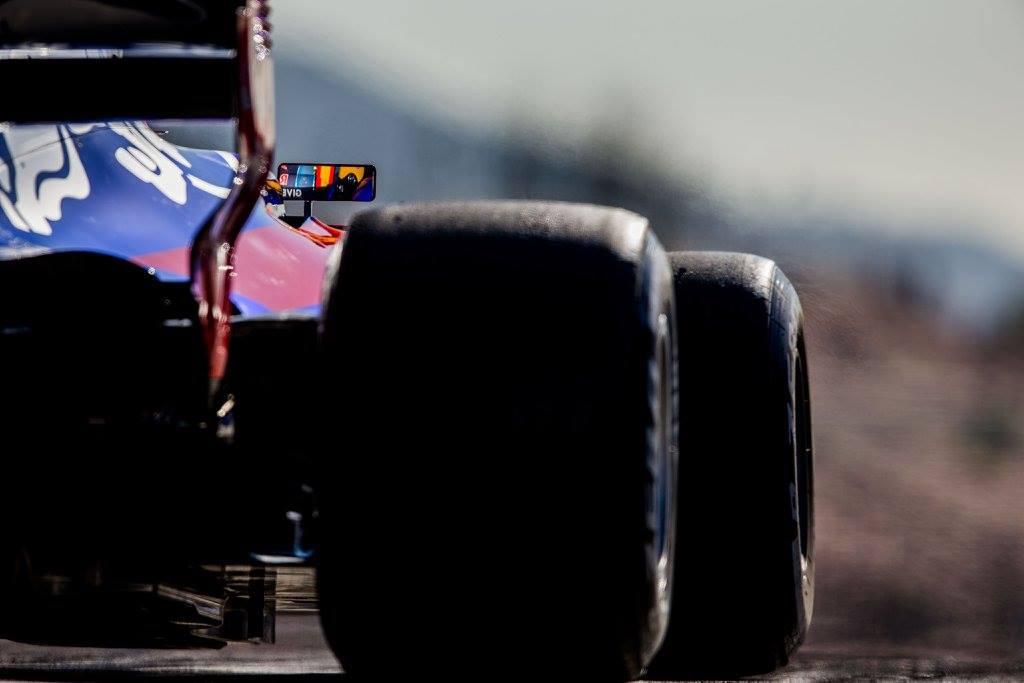 Toro Rosso Renault.jpg