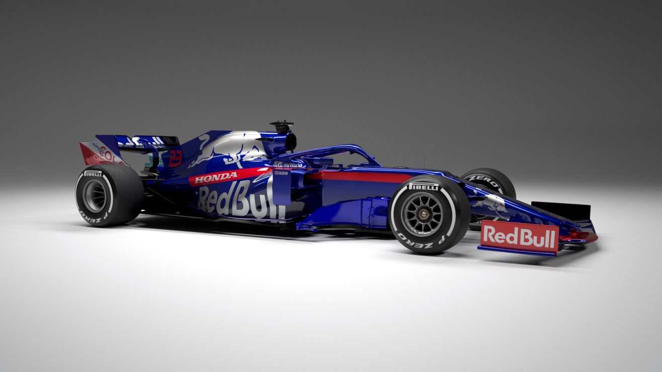 Toro Rosso STR 14 2.jpg