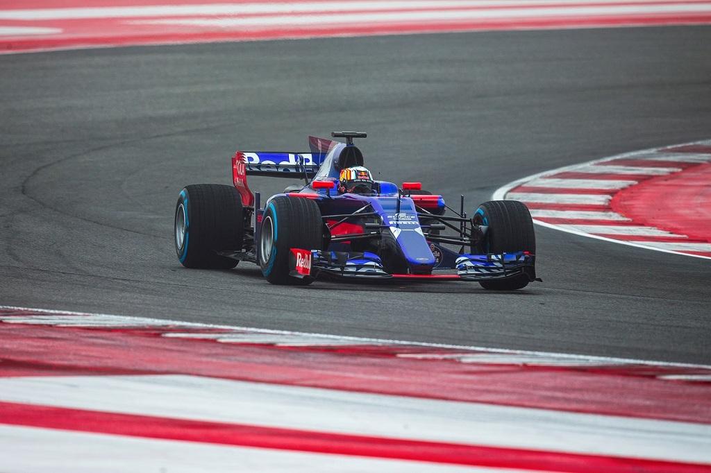 Torro Rosso F1 Bahrain Test.jpg