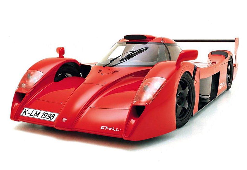 Toyota-GT-One-straatlegaal-03.jpg