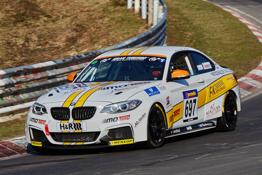 VLN2015-Nuerburgring-BMW-M235i-Racing-Cup-Startnummer-697-CUP5-fotoshowBigImage-f8d4d189-855994.jpg