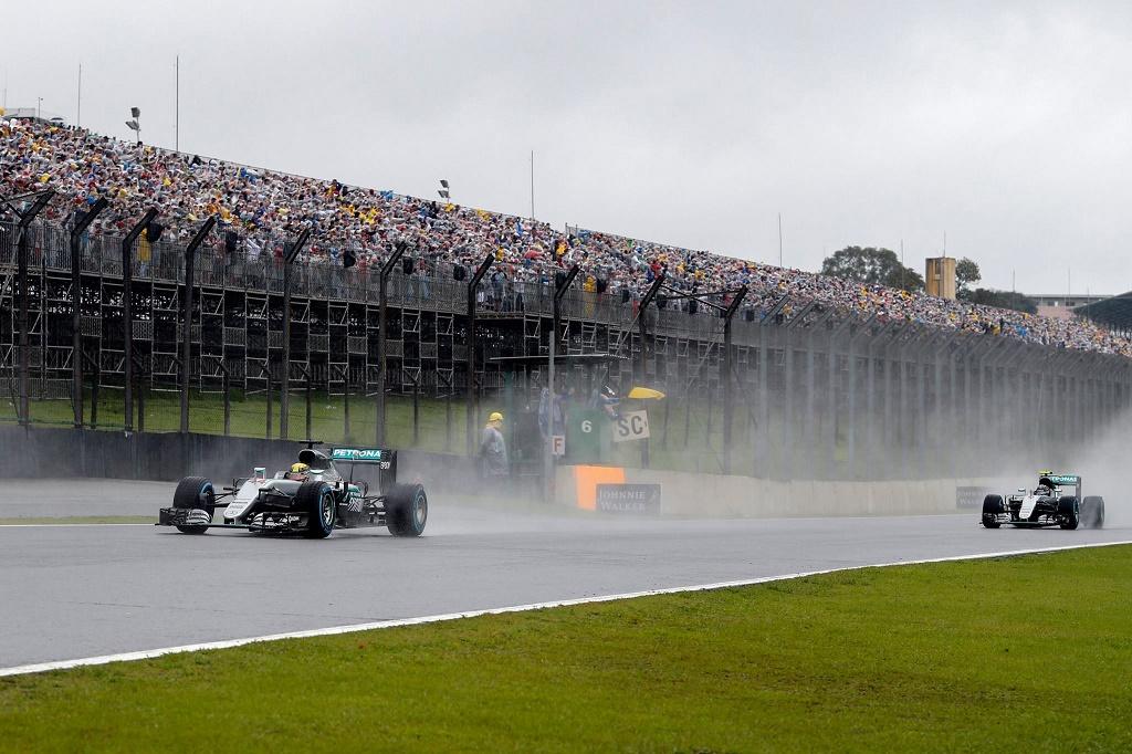 wet race restarts.jpg