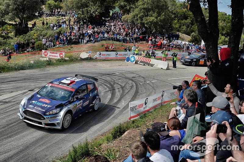 wrc-rally-france-2017-eric-camilli-benjamin-veillas-ford-fiesta-r5-m-sport.jpg