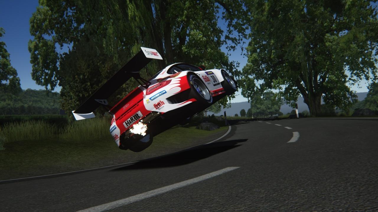 Frikadelli Racing flying