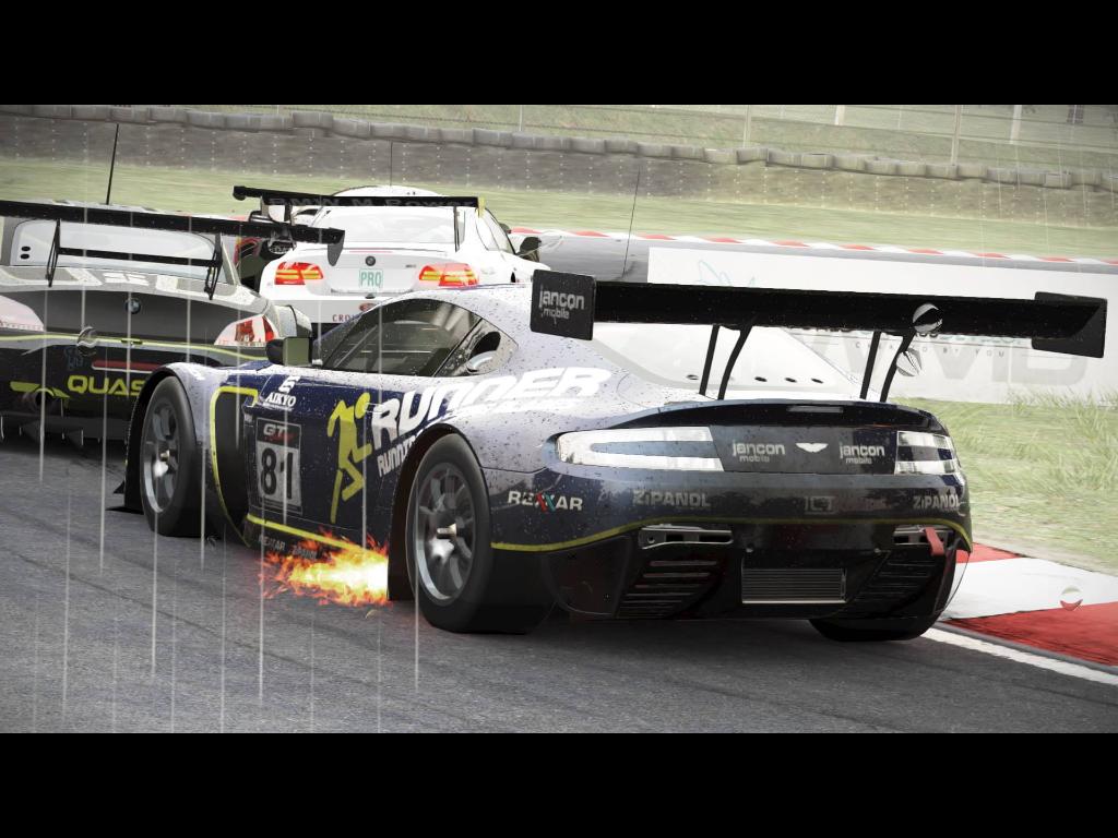 Aston Martin V12 Vantage gt3 at Brands Hatch