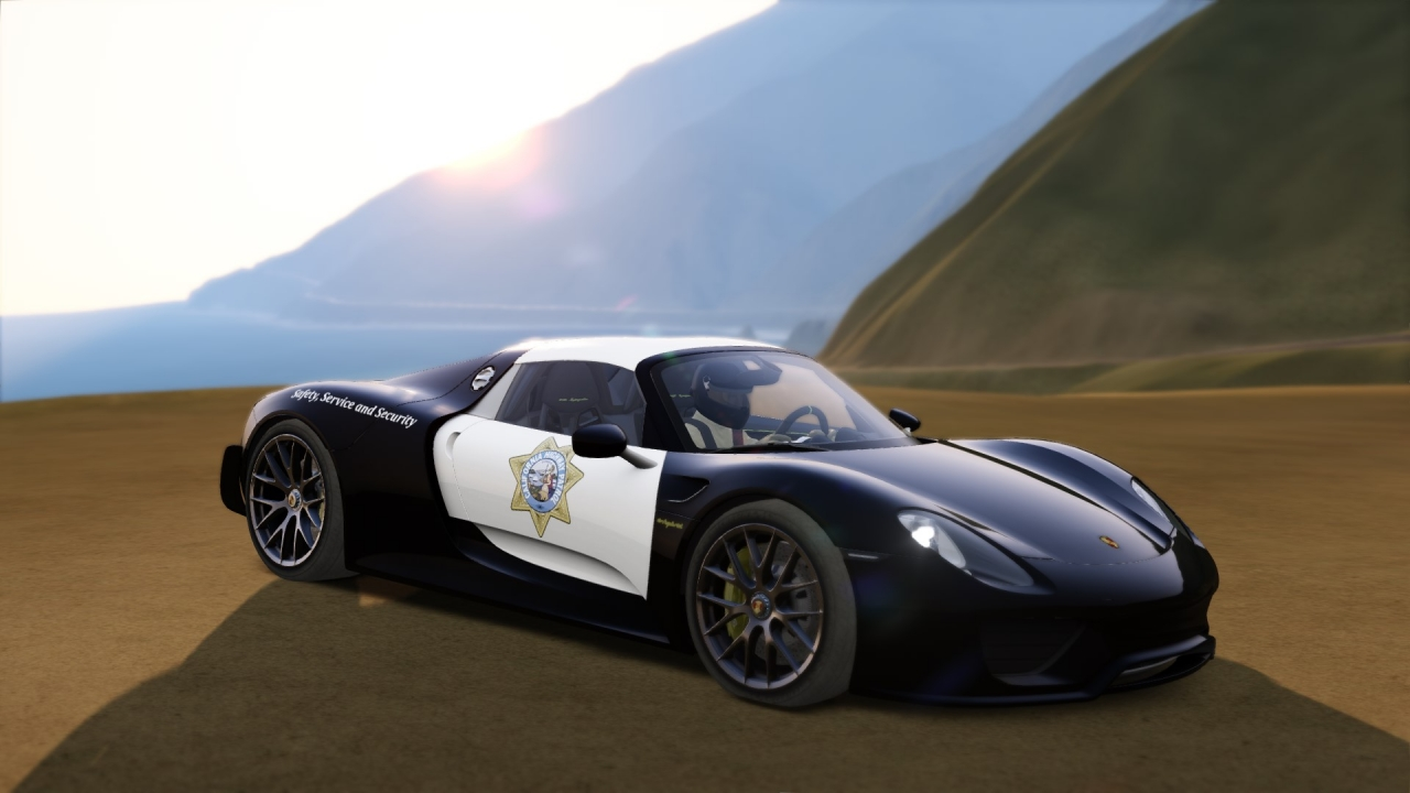 California Highway Patrol - Porsche 918 Spyder
