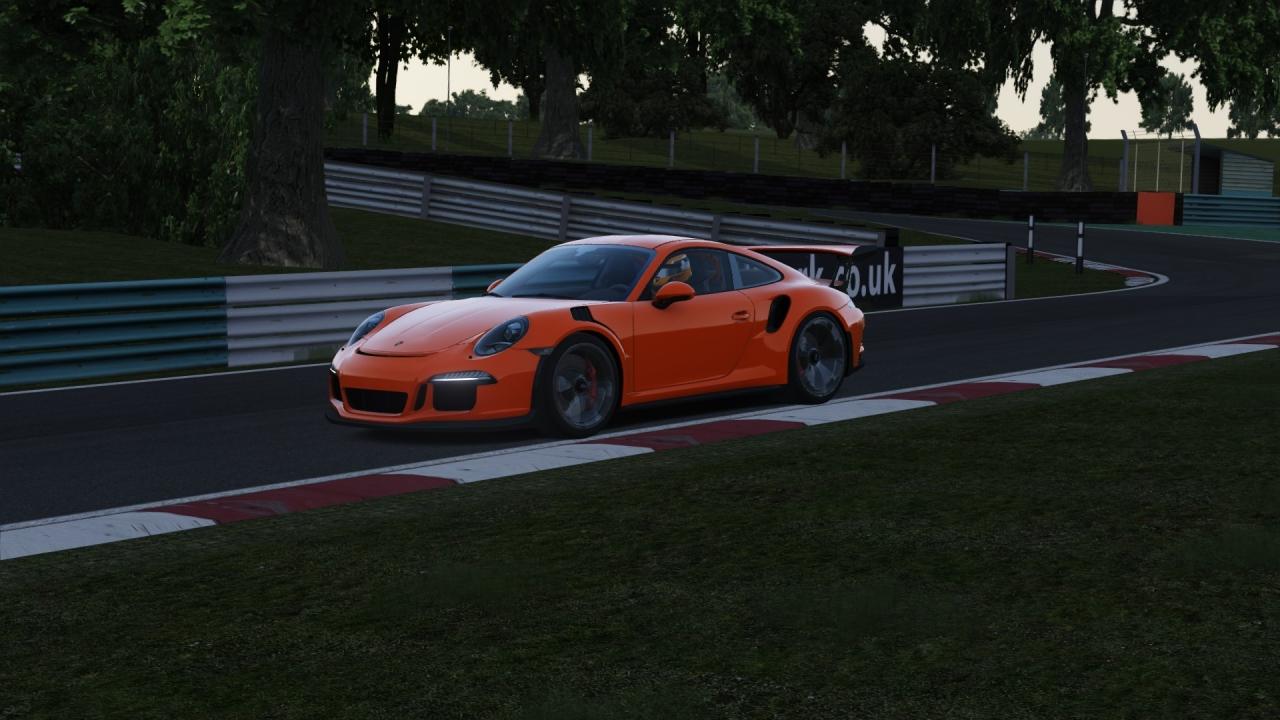 Porsche 911 Cadwell Park