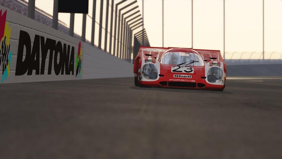 917K on the banks at Daytona