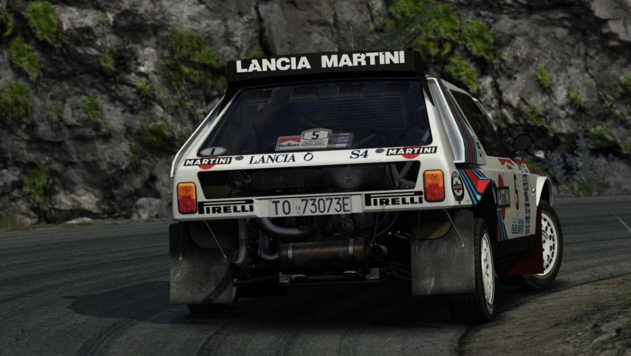 Lancia Delta S4 gravel action