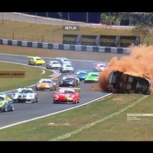 Forte acidente de Pedro Piquet na Porsche GT3 Cup em Goiânia