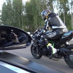 Kawasaki Ninja H2 vs Bugatti Veyron 16.4