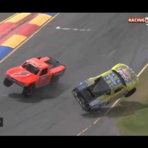 STADIUM SUPER TRUCKS ADELAIDE 2016 RACE 2 | Crashes And Fails [HD]