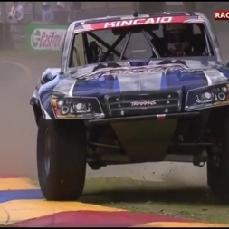 EXTREMELY NEAR MISS STADIUM SUPER TRUCKS ADELAIDE [HD]