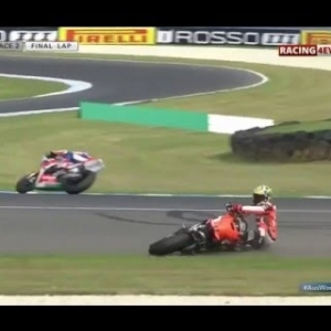 WSBK PHILLIP ISLAND HIGHLIGHTS | Crashes And Fails [HD]