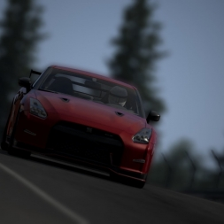 GT-R Against Nordschleife 100% grip