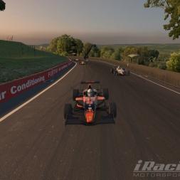 iRacing Formule Renault 2.0 Mount Panorama Circuit 13 laps