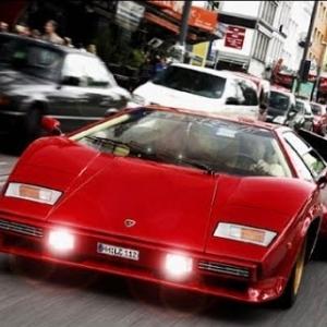 Assetto AI Race: Countach vs. modern sportcars!