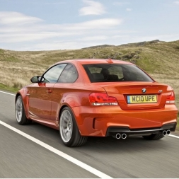 BMW 1 M Coupe: Project Cars 2 vs Assetto Corsa!
